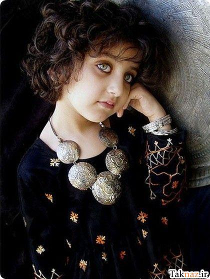 http://hazarah2010.persiangig.com/Afghanistan/girls/Afghan%20Girl%203.jpg